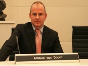 http://tausyah.wordpress.com/Arnoud Van Doorn